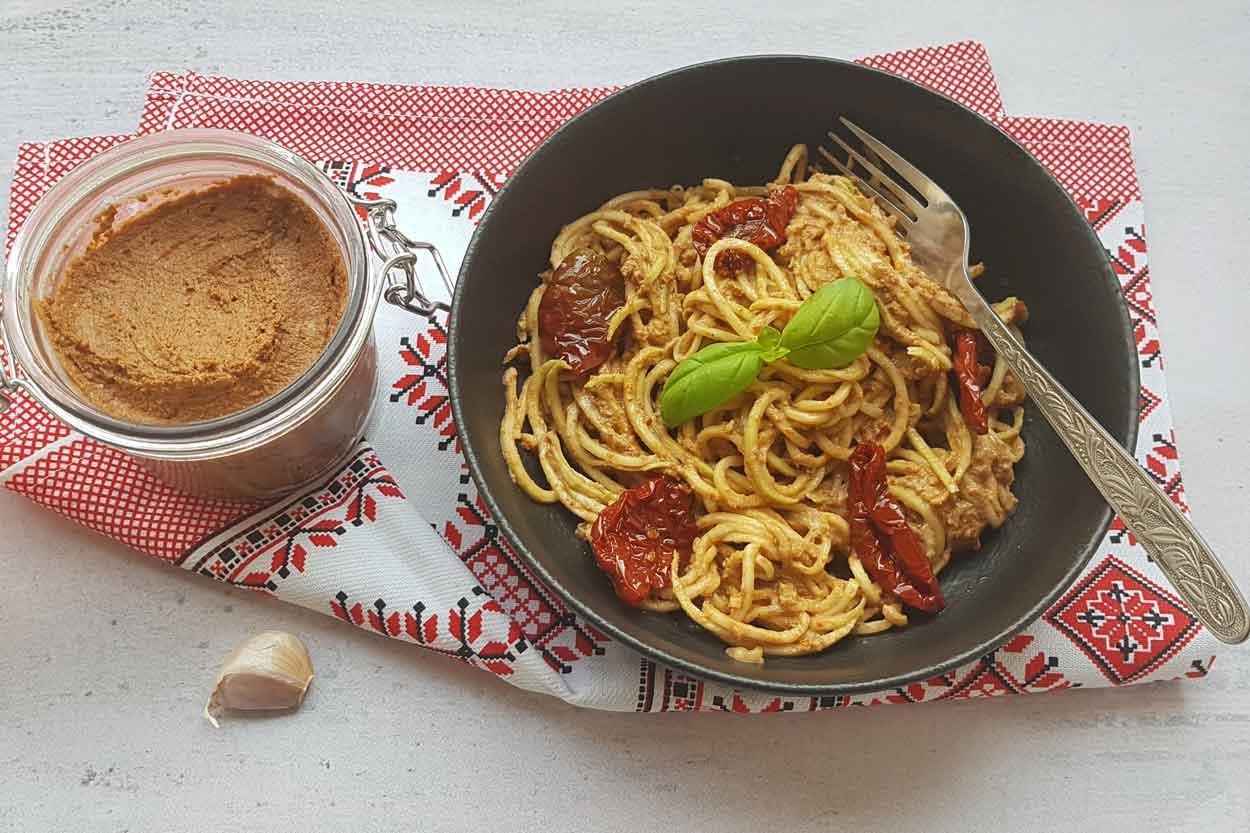 Crveni pikantni Pesto sos