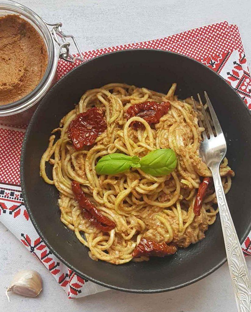 Crveni pikantni pesto sos 1